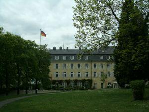 Hier kommen sie zusammen ...Hotel Steigenberg auf dem Petersberg Königswinter / Bonn...; Bild U+E