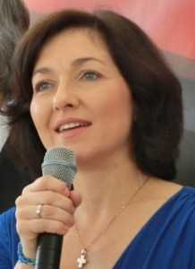 Sie debattiert über die To-go- Wegwerf-gesellschaft ...; VKU-Hautgeschäftsführerin Katherina Reiche: