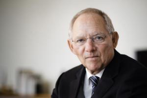 ...ungeschickt im Umgang mit Nord Stream 2 verhalten Bundesfinanzminister Wolfgang Schäuble: ...