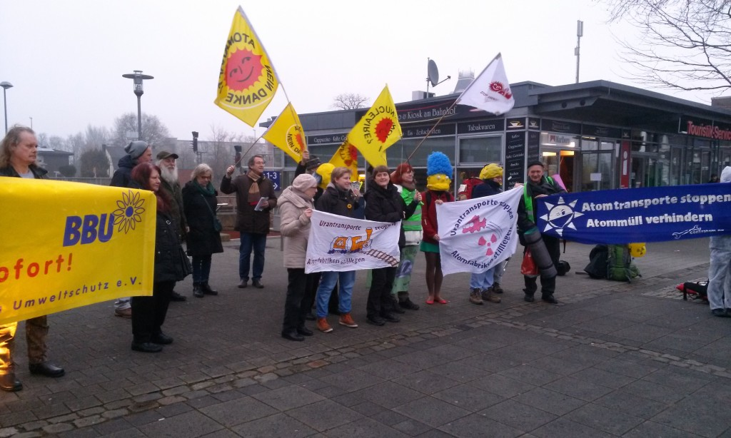 Protestaktion gegen Uran-Transporte, hier in Gronau Sonntag 19. Februar