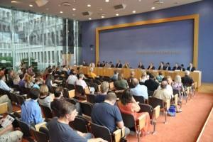 """Details vom """"Autopakt"""" Bayerns kennen wir nicht, gesteht der Sprecher der Bundesumweltministerin während der Regierungspressekonferenz"""