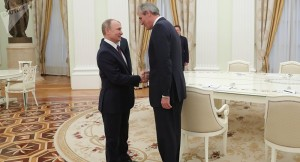 Russisches LNG ist preiswerter ...; Putin und Seele bei einem Treffen in Moskau