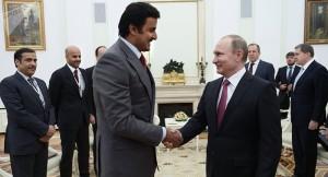 Kreml-Chef Wladimir Putin und Katars Emir Al Thani : Wer mischt die Karten? Und wer spielt hier welches Spiel?