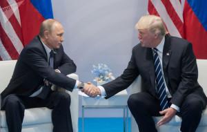 Schütteln sie sich zum Abschluß noch die Hände...? Trump und Putin, bild sputnik...