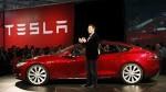 Auch der Forstminister freut sich,... trotz Waldrodung...? Hier ein Tesla Modell mit Elon Musk, dem Tesla-Chef