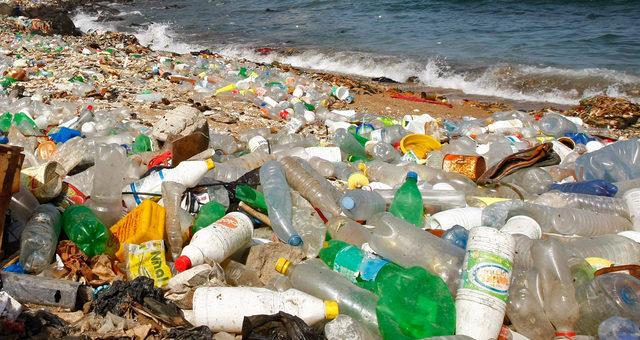 """""""...dass solche Spurenstoffe möglichst gar nicht mehr in die Gewässer gelangen..."""".; bild bundesreg"""
