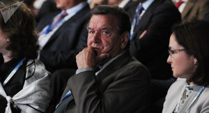 Eine unverfrorene Erpressung ...Washington geht es ausschließlich um eigene Interessen...; Exkanzler Gerd Schröder, bild Mikhail Klementiew