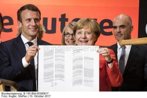 Vielleicht kommen sie vertraglich doch wieder zusammen.....; Kanzlerin Angela Merkel und Präsident Macron; bild Steffen Kugler bundesbildst.