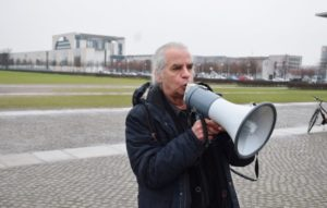 Weiter öffentlich Druck machen ...... Hubertus Zdebel: