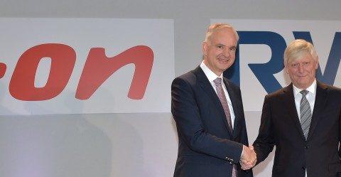 """"""" ... einer der kreativsten gestaltungsdeals ...""""; Neue Partner: E.on Chef Johannes Teyysen(links) und RWE-Chef Rolf Martin Schmitz"""