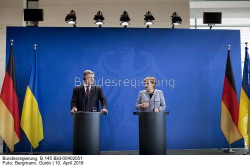 Nord-Stream 2 ist plötzlich für Kanzlerin Merkel auch ein politisches Projekt, erklärte sie bei einer Pressekonferenz mit dem ukrainischen Präsidenten Petro Poroschenko