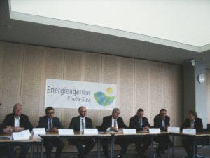 In Kürze geht's richtig los ...; Mitglieder der Energieagentur Rhein-Sieg bei der Pressekonferenz, Bild U + E