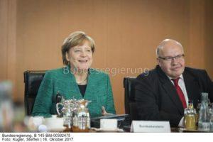 Konnten wir ahnen, dass die gute Wirtschaftslage für so ein schlechtes Klima sorgt...?, Kanzlerin Angela Merkel und Wirtschaftsminister Peter Altmaier