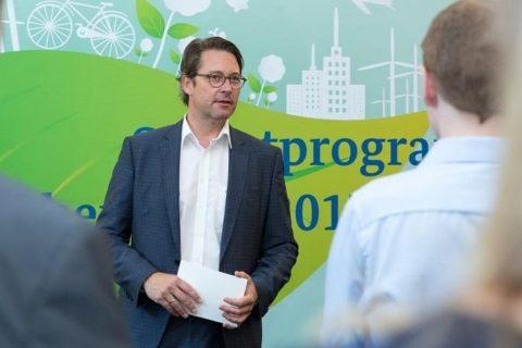 """""""... für noch bessere Luft in unseren Städten..."""", formuliert der CSU-Verkehrsminister Andreas Scheuer"""