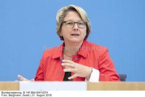 """Eine Salve von Vorwürfen gegen die Ministerin…""""... ..  Svenja Schulze"""