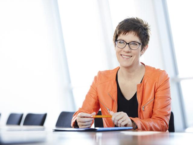 """""""Die Position ist mir zu radikal..."""" CDU-Chefin Annegret Kramp-Karrenbauer"""