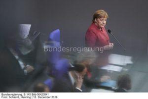 """""""...dafür wird Geld aus dem Klimafonds bereitsgestellt......?"""" so Kanzlerin Merkel ;, Bild Henning Schacht bundesr."""