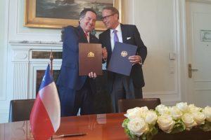 BMWI Staatssekretär Ulrich Nussbaum und der chilenische Außenminister, Roberto Ampuero, zwei gemeinsame Erklärungen zu einer vertieften deutsch-chilenischen Zusammenarbeit.