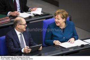 """""""Konkurrenten""""?: Scholz und Merkel, erschaltet sich beim Klimaschutz immer stärker ein ...;bild Sandra Steins bundesreg."""