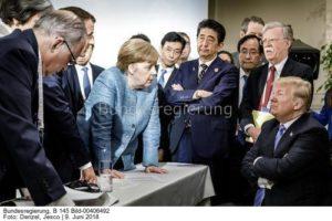...nun gib zu, dass Du hinter der ganzen sache steckst ...; Merkel contra Trump