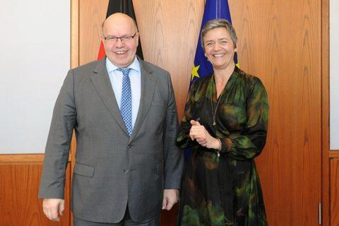 """""""..können die Risiken zu groß sein, als dass ein Mitgliedstaat oder ein Unternehmen sie alleine schultern könnte. ...; Peter Altmaier und EU-Kommissarin Margarethe Vestager"""