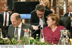 """""""Wir sagen dieses Mal aber nichts ...""""; Olaf Scholz, Kanzlerin Angela Merkel und Andy Scheuer; bild steffen Kugler"""