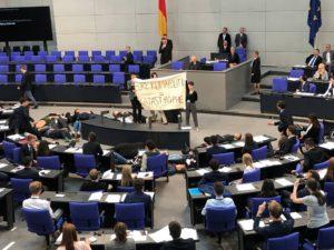 """""""Eure Klimapolitik = Katastrophe"""" ... gegen Klimanotstand entschieden ..."""