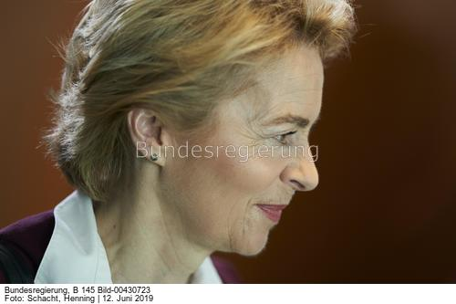 Sie entscheidet mit über Milliardenstrafen gegen Deutschland ...; Ursula von der Leyen
