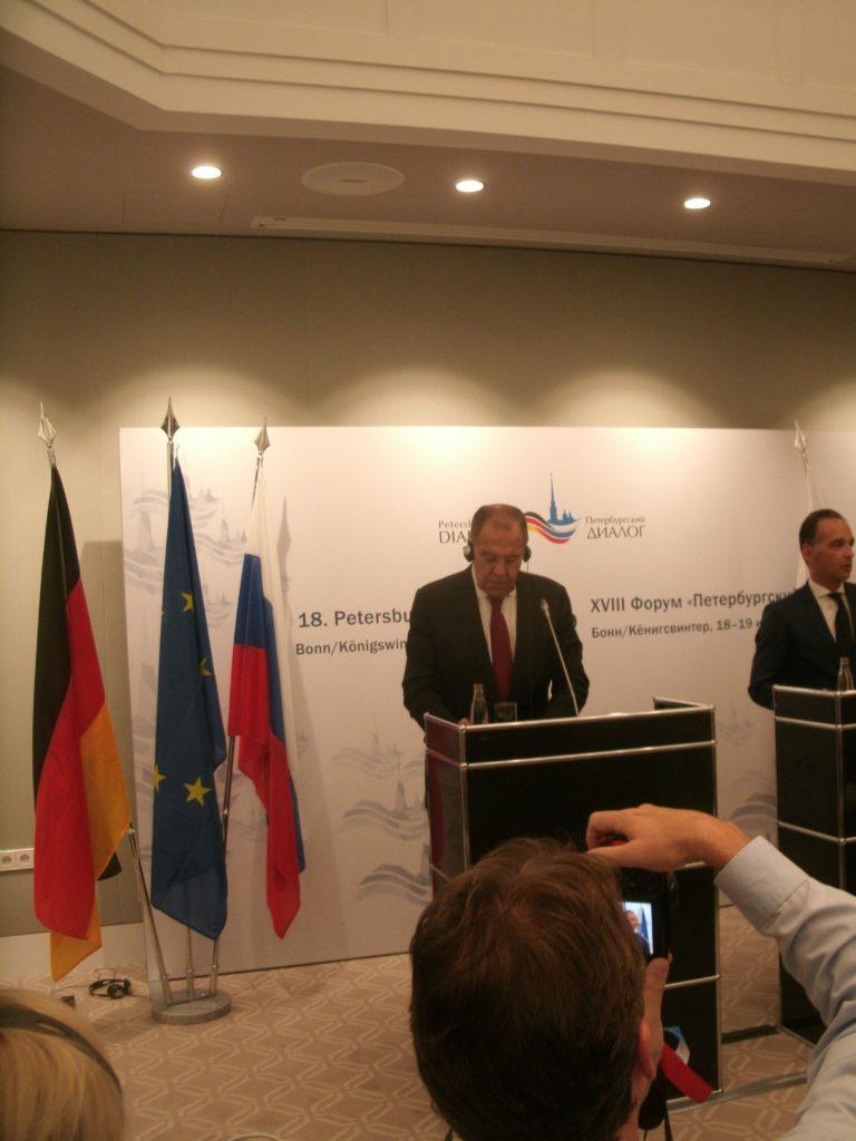 Die neue EU-Chefin muss Druck auf Dänemark ausüben ...; Sergej Lawrow,l. und Außenminister Heiko Maas, Bild Umwelt- und Energie-Report (U + E)