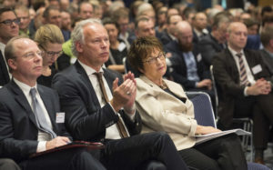 """""""Es ist nicht nachvollziehbar... ...; BEE-Präsident Hermann Albers, hier mit Brigitte Zypries seinerzeit Bundeswirtschaftsministerin  , bild Silke Reents BWE"""