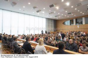 So spielte  der Windgipfe bei der Regierungspressekonferenz eine wichtige Rolle ..., Bild Christian Plambeck