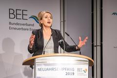 """"""" ... Wir brauchen eine ensthafte Auseinandersetzung ...!!!"""" ; Simone Peter: BEE-Präsidentin, zuvor Grünen-Vorsitzende"""