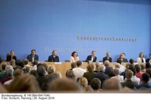 """""""Seit Jahren gibt es diesen Streit mit der EU,...; Regierungspressekonferenz Berlin"""