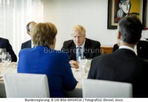 """""""Vorbereitung der COP 26, die im November 2021 in Glasgow stattfinden soll,.; Vorn Bundeskanzlerin Merkel ihr gegenüber Boris Johnson , bild Jesco Denzel"""