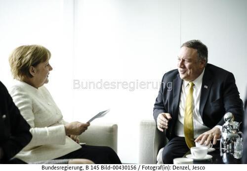 """""""Steigt aus oder riskiert die Folgen"""" ...Bundeskanzlerin Angela Merkel und Mike Pompeo im Bundeskanzleramt , bild Jesco Denzel"""