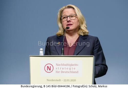 """""""... die Atomkraft ist kein Klimaretter...!!!"""" ; Svenja Schulze, bild Markus Scholz bundesrg"""