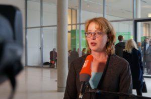 """""""...die aktuelle Situation im Bereich der Produktkennzeichnung muss noch weiter verbessert werden...; Tabea Rößner"""