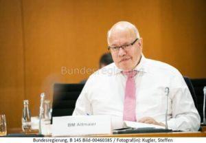 Vor und nach dem Kabinettsbeschluss... Peter Altmaier ist ist zur Zielscheibe von harscher Kritik und Verbesserungsvorschlägen geworden, bild Steffen Kugler bundesrg