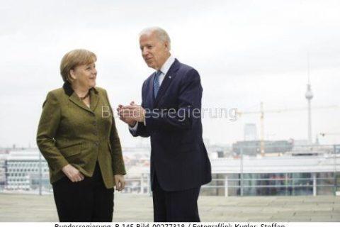 """""""... mit US-Präsident Joe Biden am Rande des jüngsten G7-Gipfels über die umstrittene Gaspipeline gesprochen ...... Angela Merkel und US-Präsident Joe Biden"""