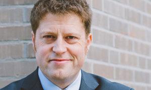 """""""Gebäudesektor ... zentrales Element der europäischen und nationalen Klimaschutzanstrengungen""""; Jan Peter Hinrichs, bild buve"""