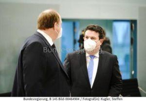 """""""Unseren Wohlstand können wir nicht dauerhaft auf der Ausbeutung von Menschen aufbauen,..!"""" Hubertus Heil, r. und Kanzleramtschef Helge Braun, bild steffen kugler"""