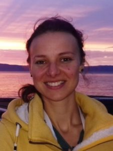 Sie erforscht die neue Technik zur Ermittlung der Artenvielfalt ...; Dr. Ameli Kirse, bild Forschungs-museum Koenig