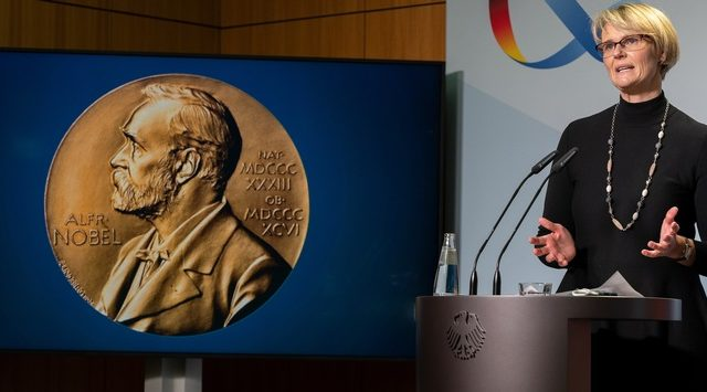 """Auszeichnung für Klaus Hasselmann steht stellvertretend für die exzellente deutsche Klimaforschung...!"""" Bundesforschungsministerin Anja Karliczek , Bild BMBF"""